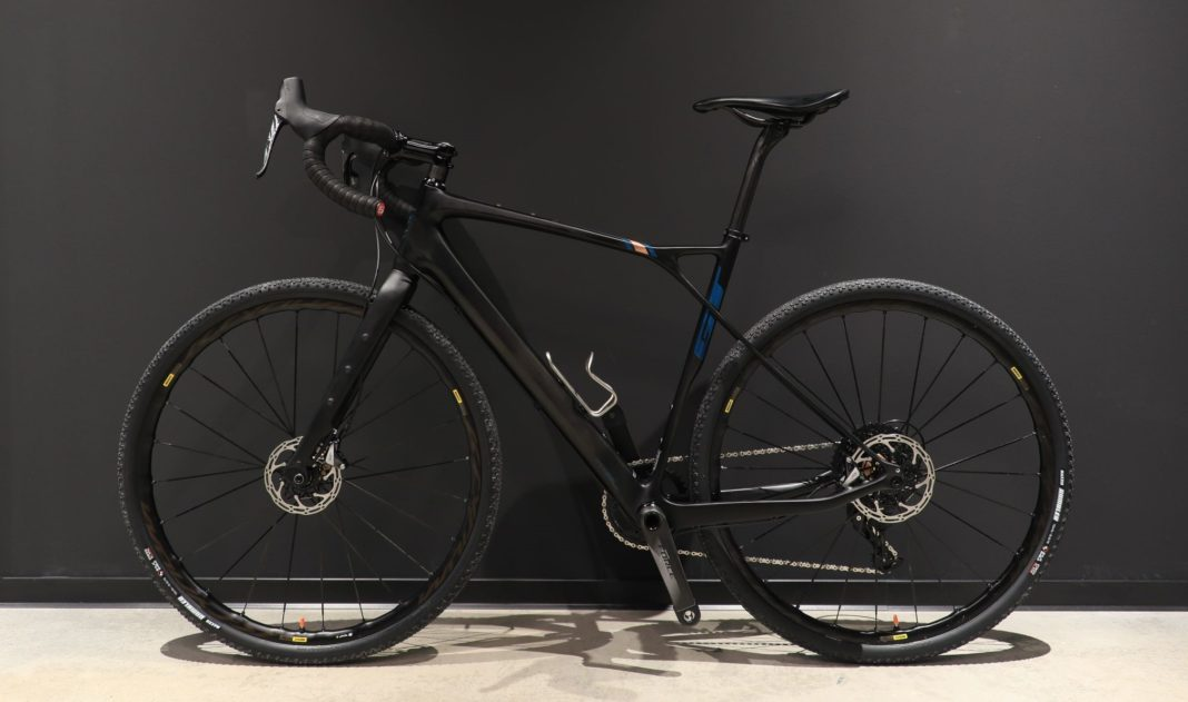 gravel bike GT Grade Carbon